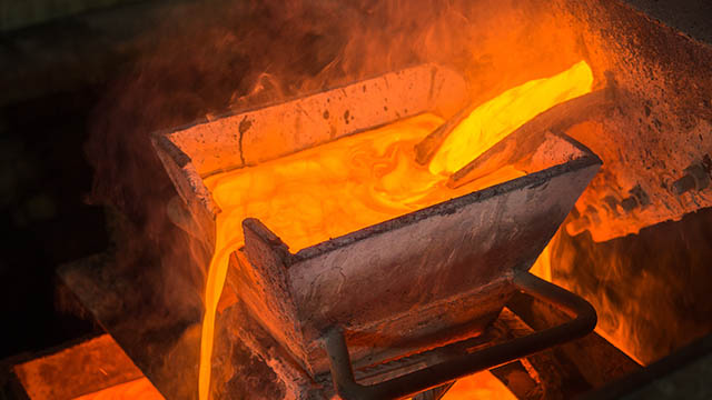 AngloGold Ashanti flags steady production and 15% reduction in net debt