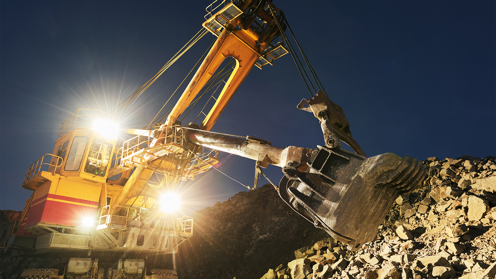 Evolution Mining (ASX:EVN) downgrades production guidance